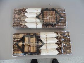 4 paires de baguettes avec sets rafia et serviettes blanches
