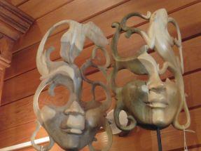 Grand masque ajouré