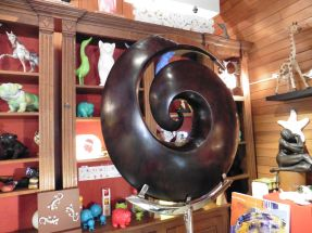 Petite sculpture moderne en Kaoba